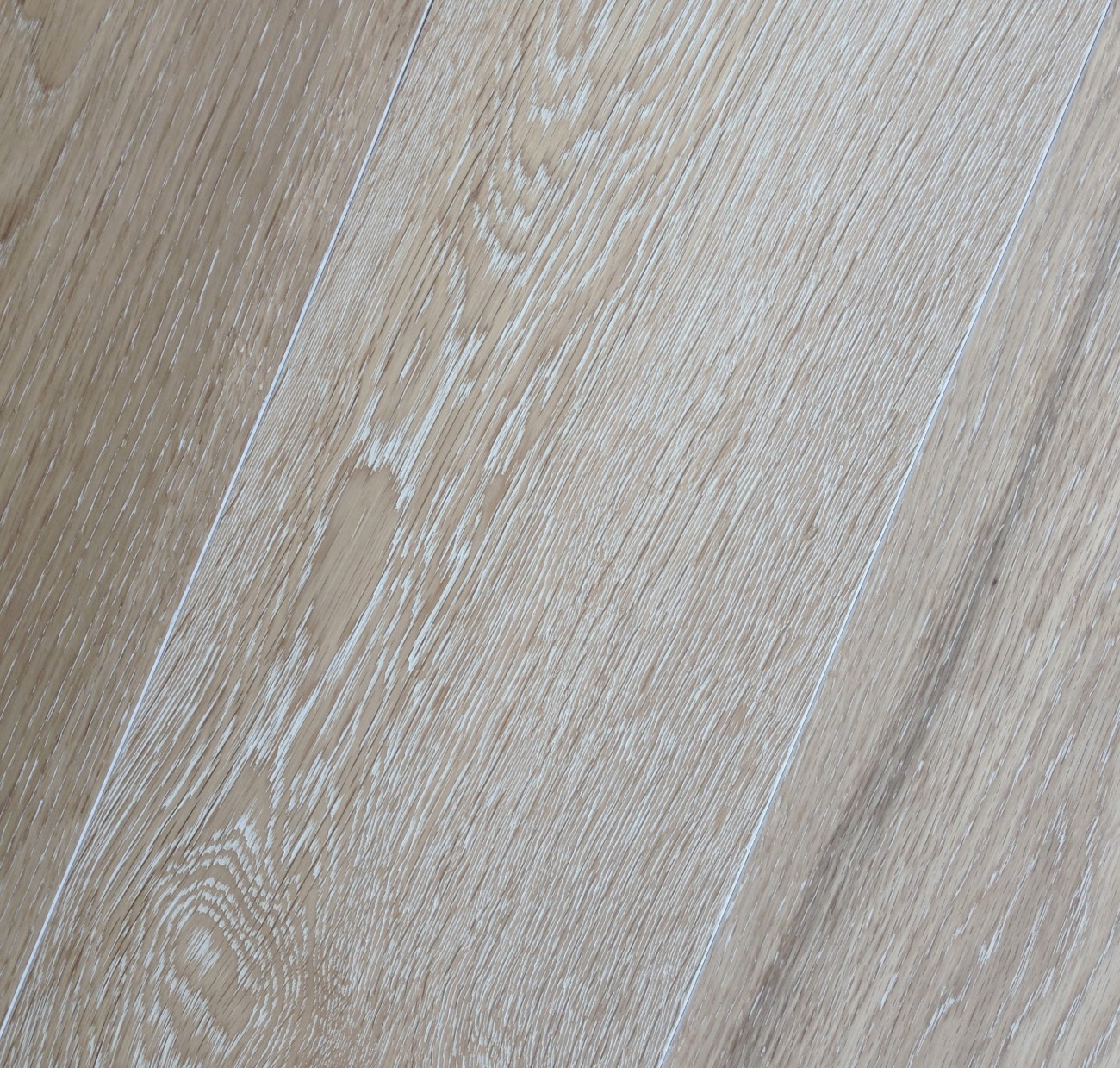Sustainable Hickory Prefinished Vintage White Oak French Wash